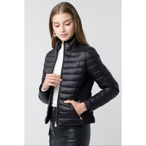 Ultra Lightweight Zip Up Padded Puffer Jacket